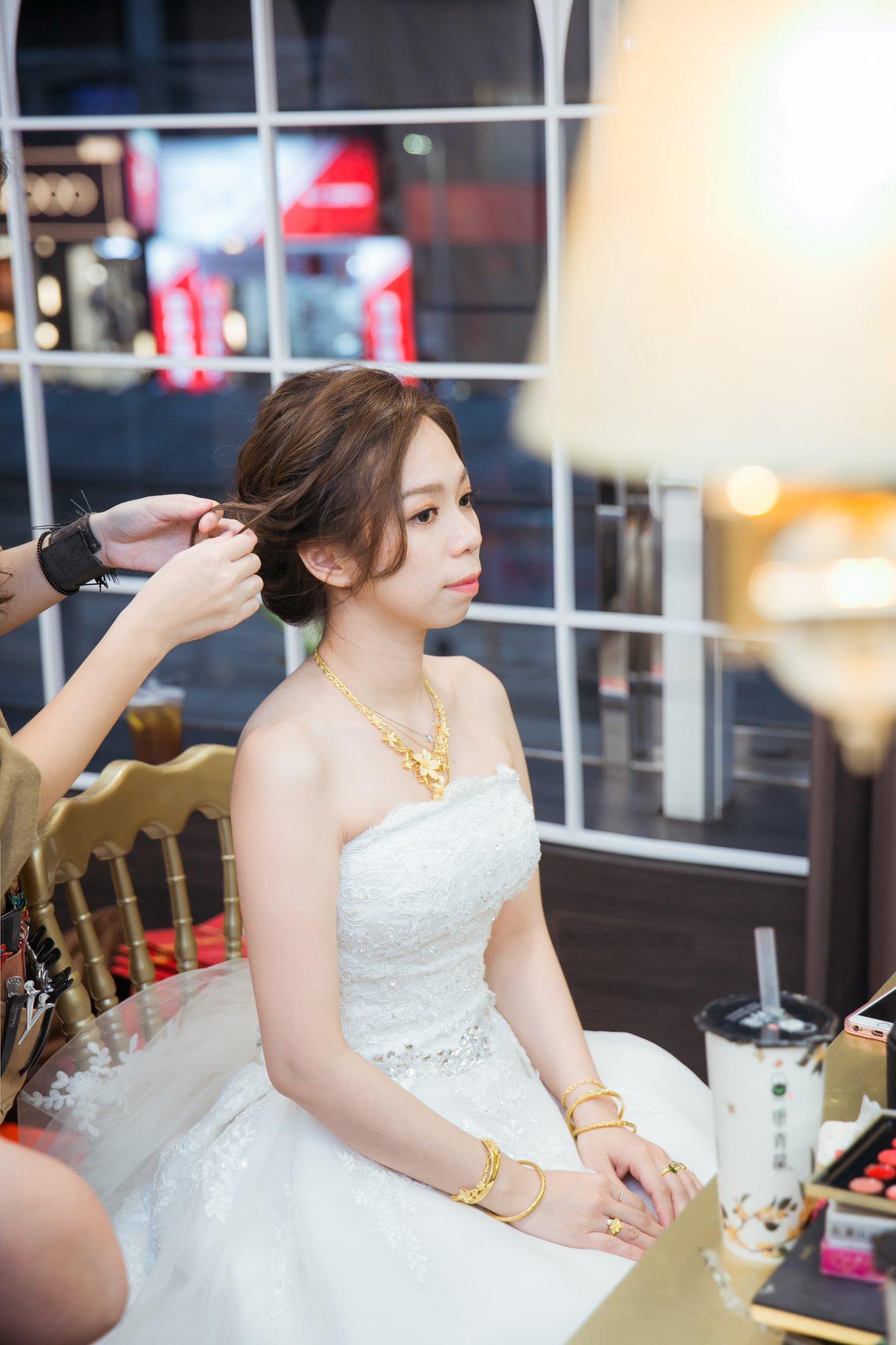 新娘房_9