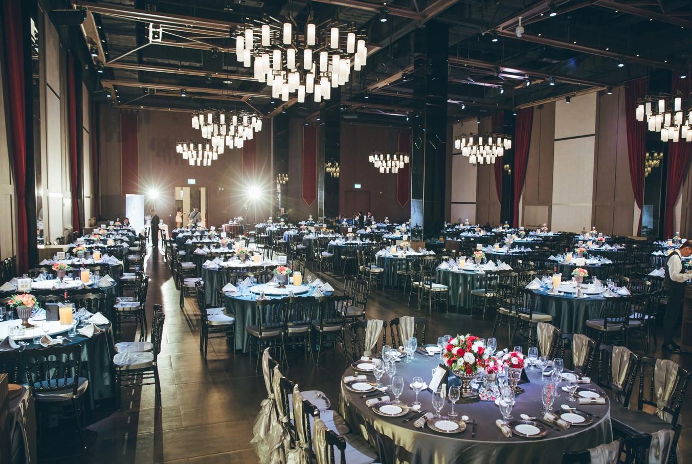 Ballroom DE_1