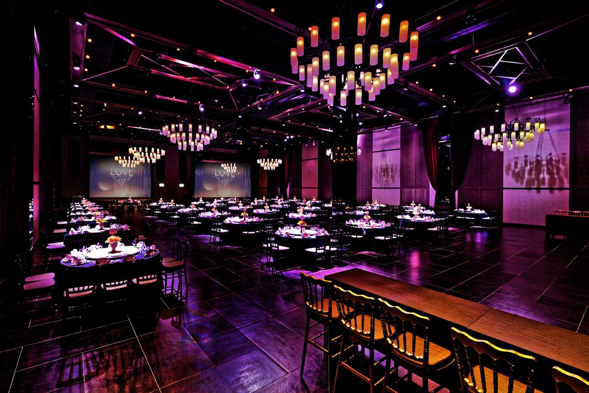 Ballroom DE_4