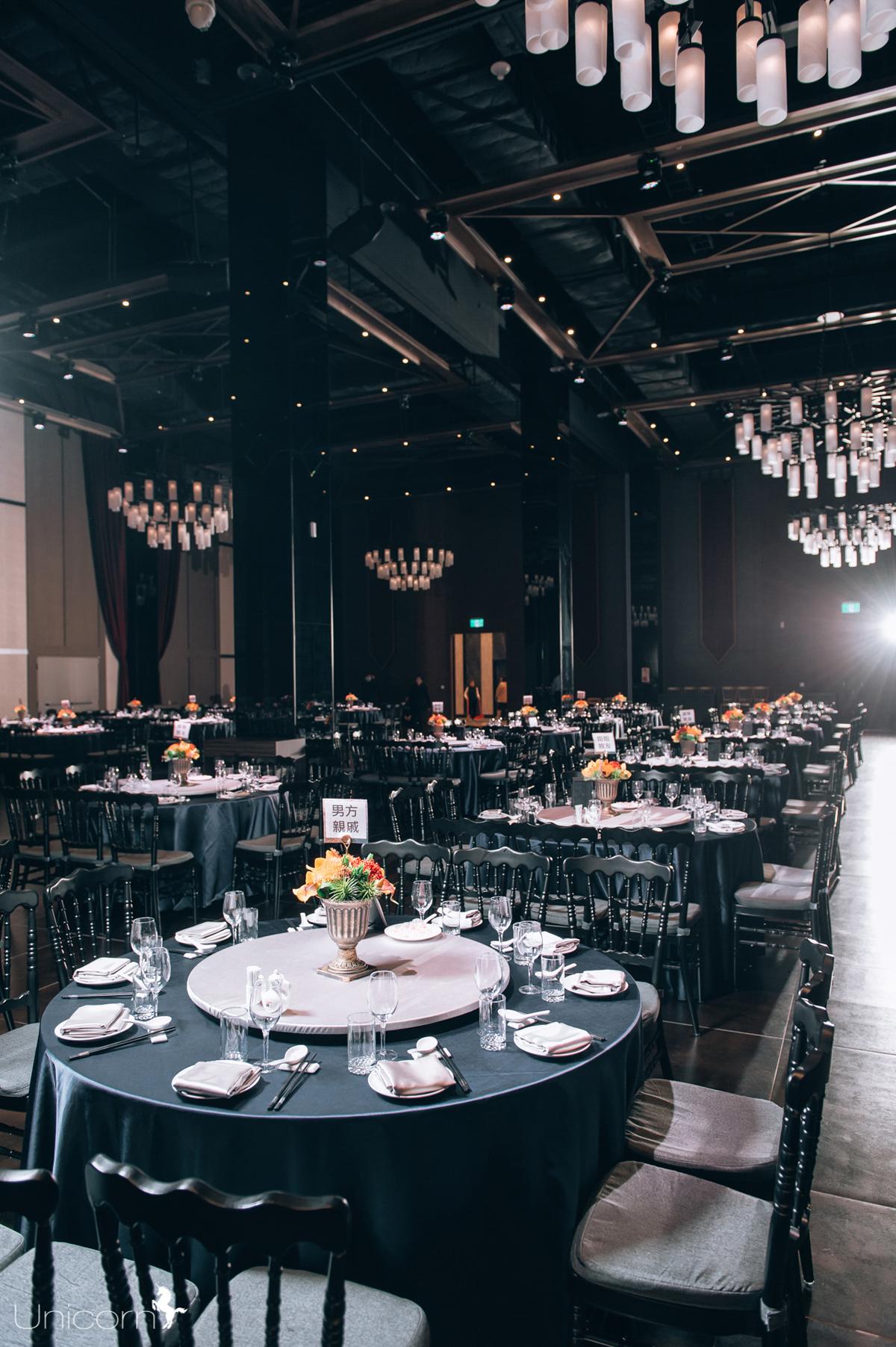 Ballroom DE_6